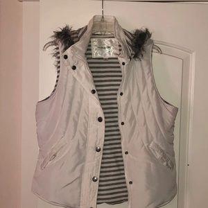 Maurice's White Puffer Vest Sz L